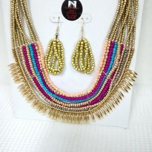 Deja  Vous Jewelry - NWT Multi-Color Statement Necklace Set
